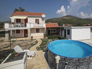 Stunning home in Vrsine w/ WiFi and 2 Bedrooms