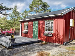 Stunning home in Larvik w/ 2 Bedrooms
