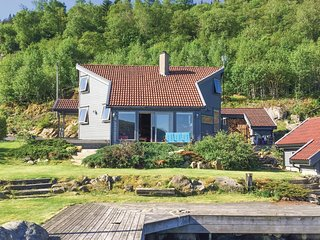 Nice home in Farsund w/ 4 Bedrooms (N36978)