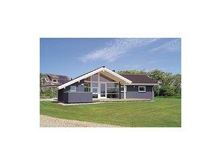 Beautiful home in Vinderup w/ Sauna, WiFi and 4 Bedrooms