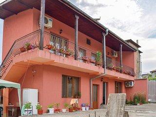 Beautiful home in Tsarevo w/ WiFi and 3 Bedrooms