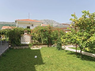Stunning home in Kastel Kambelovac w/ WiFi and 3 Bedrooms