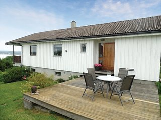 Stunning home in Vikersund w/ 3 Bedrooms