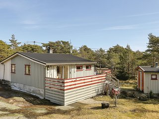 Awesome home in Vesterøy w/ 3 Bedrooms (N37213)