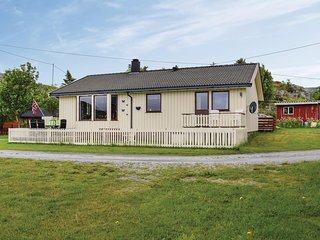 Amazing home in Steinsdalen w/ 4 Bedrooms (N38016)