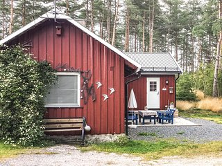 Stunning home in Råde w/ WiFi and 3 Bedrooms
