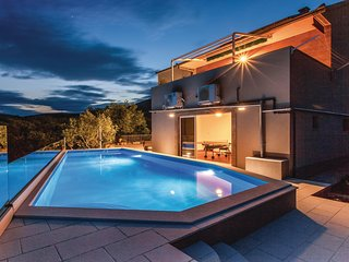 Beautiful home in Kastel Novi w/ WiFi and 4 Bedrooms (CDT999)