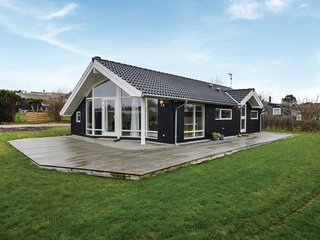 Amazing home in Slagelse w/ WiFi and 3 Bedrooms