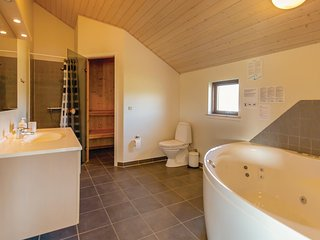 Amazing home in Otterup w/ Sauna, WiFi and 4 Bedrooms