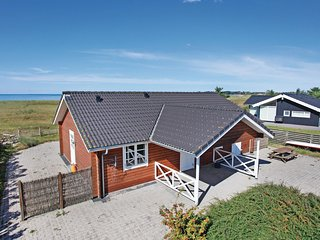 Beautiful home in Korsør w/ WiFi and 2 Bedrooms