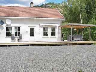 Beautiful home in Lyngdal w/ 4 Bedrooms (N36014)