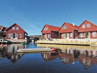 Nice home in Flekkerøy w/ WiFi and 3 Bedrooms (N36060)