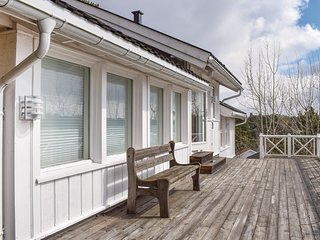 Stunning home in Tvedestrand w/ 3 Bedrooms