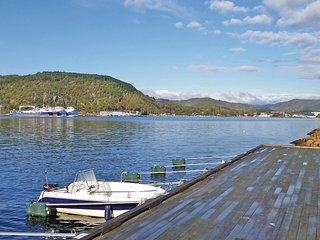 Nice home in Lyngdal w/ Sauna and 6 Bedrooms