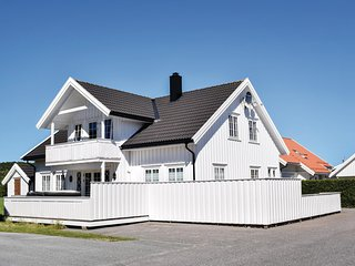 Beautiful home in Søgne w/ Jacuzzi, WiFi and 4 Bedrooms (NVK010)