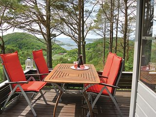 Amazing home in Lyngdal w/ 3 Bedrooms
