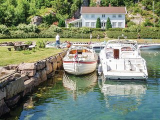 Stunning home in Farsund w/ WiFi and 4 Bedrooms