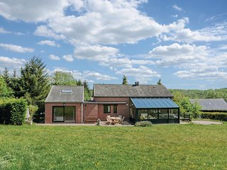 Stunning home in Durbuy with WiFi and 4 Bedrooms (BLX177)