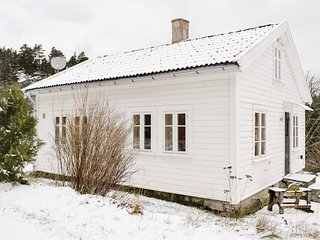Nice home in Mandal w/ 3 Bedrooms and Sauna