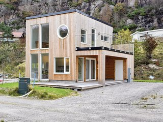 Stunning home in Lindesnes w/ WiFi and 3 Bedrooms