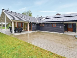 Amazing home in Ebeltoft w/ Sauna, WiFi and 4 Bedrooms (E4063)