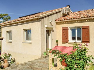 Beautiful home in Ghisonaccia w/ WiFi and 3 Bedrooms