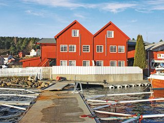 Awesome home in Tvedestrand w/ WiFi and 3 Bedrooms