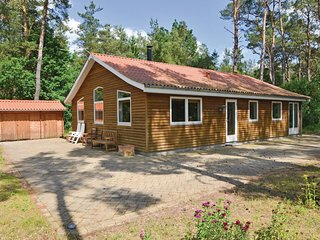 Awesome home in Rønde w/ WiFi and 3 Bedrooms (E4197)