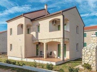 Amazing home in Ugljan w/ WiFi and 2 Bedrooms (CDU353)