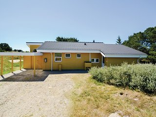 Awesome home in Fanø w/ Sauna, WiFi and 3 Bedrooms (M21114)