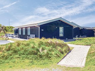 Nice home in Fanø w/ Sauna, WiFi and 5 Bedrooms (M21142)