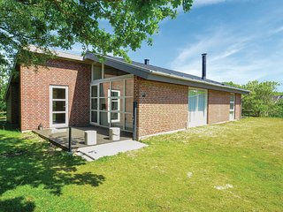 Nice home in Fanø w/ 3 Bedrooms and Sauna (M21157)