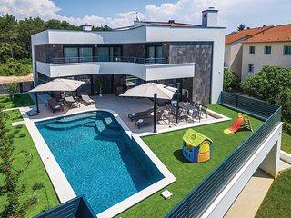 Beautiful home in Biograd w/ Sauna, WiFi and 5 Bedrooms (CDA305)