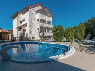 Nice home in Zadar w/ WiFi and 8 Bedrooms
