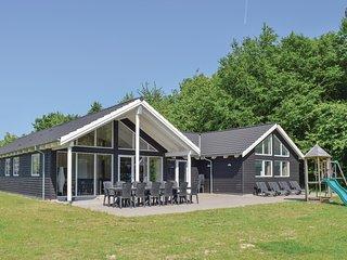 Beautiful home in Tranekaer w/ Sauna, WiFi and 7 Bedrooms