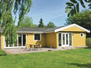 Nice home in Tranekaer w/ Sauna and 4 Bedrooms