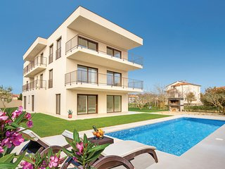 Nice home in Medulin w/ WiFi, 2 Bedrooms and Outdoor swimming pool