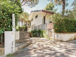 Nice home in Lignano Sabbiardoro UD w/ WiFi and 4 Bedrooms (IFK156)