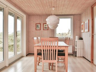 Nice home in Fanø w/ Sauna, WiFi and 4 Bedrooms
