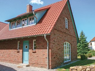 Stunning home in Borgerende w/ Sauna, WiFi and 2 Bedrooms