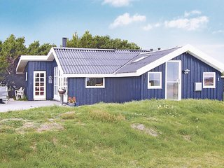 Beautiful home in Fanø w/ Sauna, 4 Bedrooms and WiFi