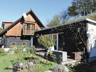 Nice home in Grossklein w/ 1 Bedrooms
