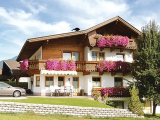 Awesome home in Aschau w/ 2 Bedrooms