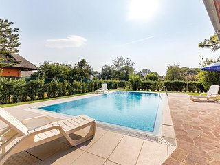 Beautiful home in Albarella RO w/ 3 Bedrooms, Outdoor swimming pool and Outdoor
