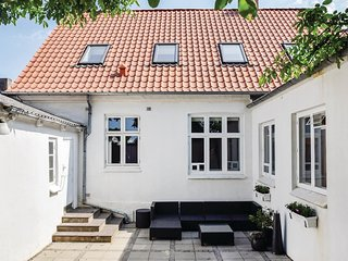 Awesome home in Rudkøbing w/ WiFi and 6 Bedrooms