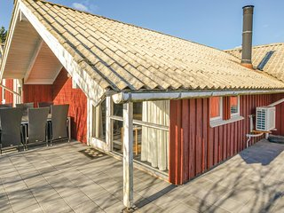 Beautiful home in Fanø w/ Sauna, WiFi and 4 Bedrooms (M21380)