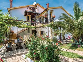 Beautiful home in Medulin w/ WiFi and 3 Bedrooms