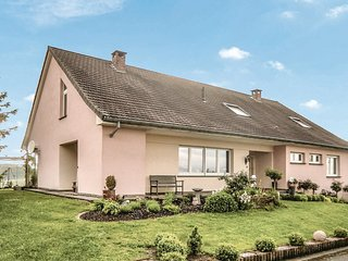 Awesome home in Erpeldange-Remich w/ 2 Bedrooms