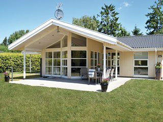 Nice home in Vejby w/ WiFi and 4 Bedrooms