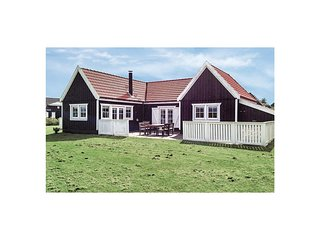 Beautiful home in Vejby w/ Sauna, WiFi and 2 Bedrooms